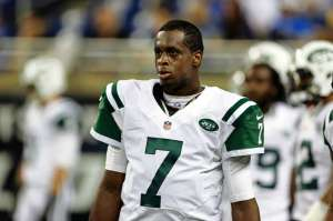 It's been quite the roller coaster ride, but Geno Smith has led the Jets to 5-4 (Via AP)