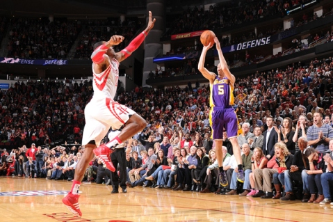 Steve Blake hit a huge game winning 3-pointer to take down Dwight Howard and the Houston Rockets (Via Getty)