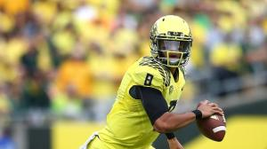 Marcus Mariota will return next season to the Oregon Ducks (Via ESPN)