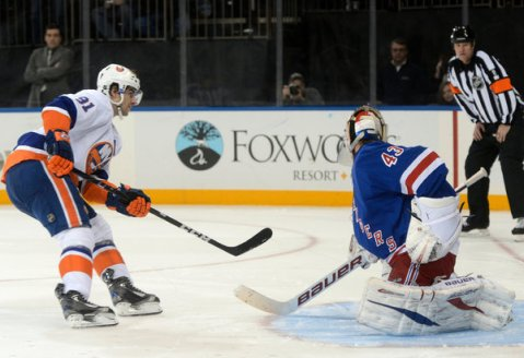 The Isles and Rangers will duke it out tonight at 7pm (Via AP)
